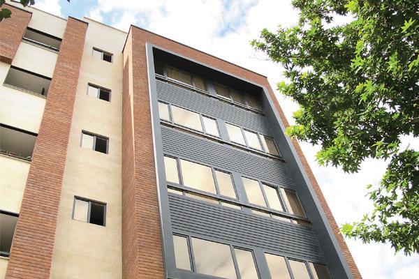ترکیب مصالح با آجر نسوز نما کهن سرام در نمای ساختمان - کرج - عظیمیه