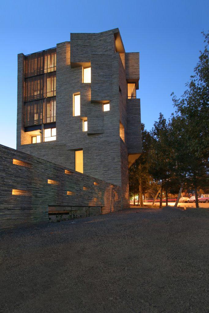 7- ساختمان های موج جدید معماری ایران